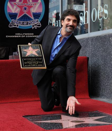 http://photos.upi.com/Entertainment/09846dd8131f23beff15c97c2359fad2/Chuck-Lorre-Receives-Star_1.jpg