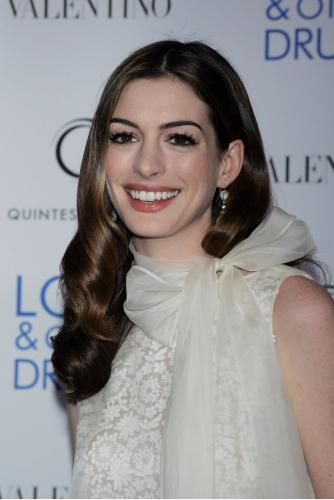 anne hathaway love and other drugs. into the love other drugs