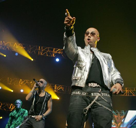 amazingly hot sex wisin y yandel wallpaper