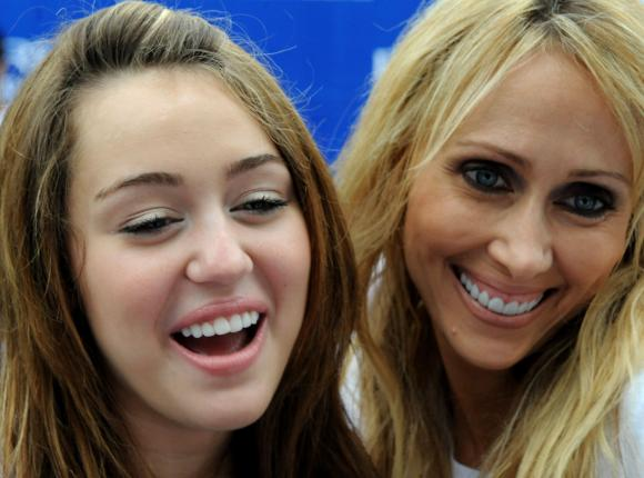 leticia cyrus tattoo. her mother Leticia Cyrus