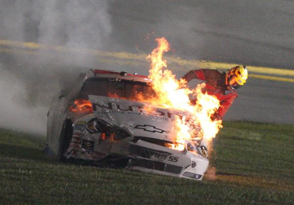 http://photos.upi.com/slideshow/lbox/4385b87bcfefc0c3ccd88a6624a4f1a1/NASCAR-NATIONWIDE-SERIES.jpg