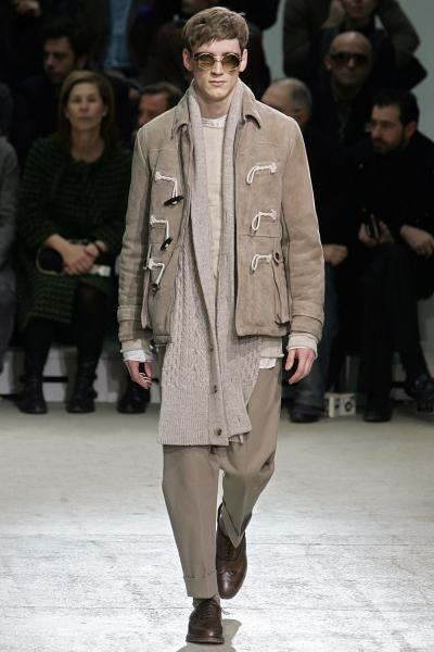 http://photos.upi.com/slideshow/lbox/66da075632093b8ecb3d89fe79979121/Mens-fashion-in-Paris.jpg