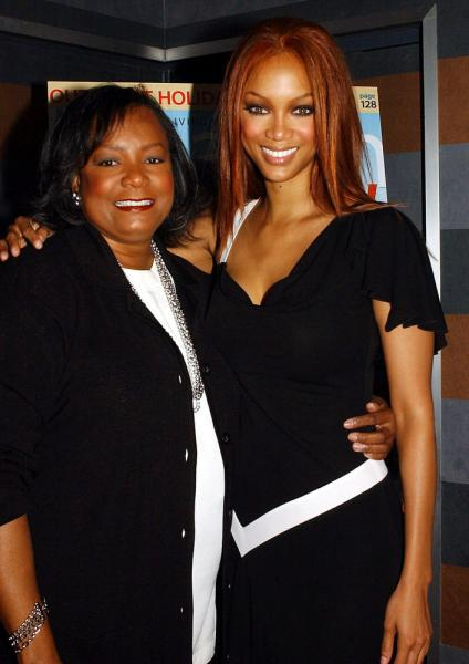 tyra banks mother