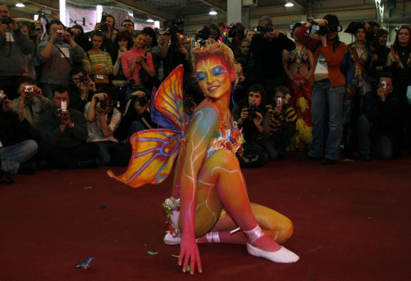 http://photos.upi.com/slideshow/lbox/dc1e10e4daea1deedea61a29b69a44bb/BODY-ART-SHOW.jpg