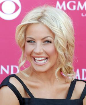 http://photos.upi.com/story/t/90fdb40aab4e18f2f5e1d129b9b8c946/Julianne-Hough-to-have-appendix-out.jpg