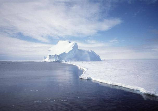New York City-sized ice collapses off Antarctica