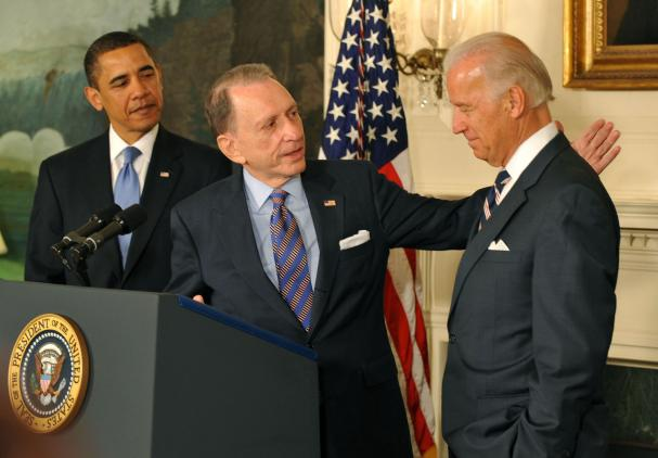 http://photos.upi.com/story/w/f578ac11b2469e108225a65fe65fd960/Obama-Biden-welcome-Specter-to-the-party.jpg