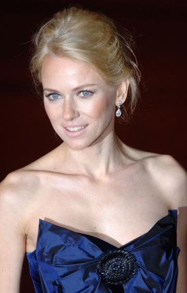 "Naomi_Watts - ACTRESS NAOMI WATTS AT ""KING KONG"" BRITISH PREMIERE"