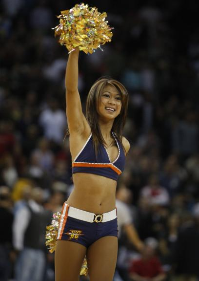 http://photos.upi.com/topics-Golden-State-Warriors-vs-Atlanta-Hawks/9d261fde5655bead57bb95f99f76917c/A_1.jpg
