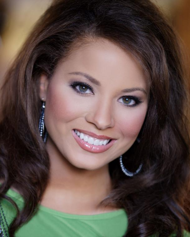 Alyse Eady Crowned Miss Arkansas 2010. By. Jonathan Weaver