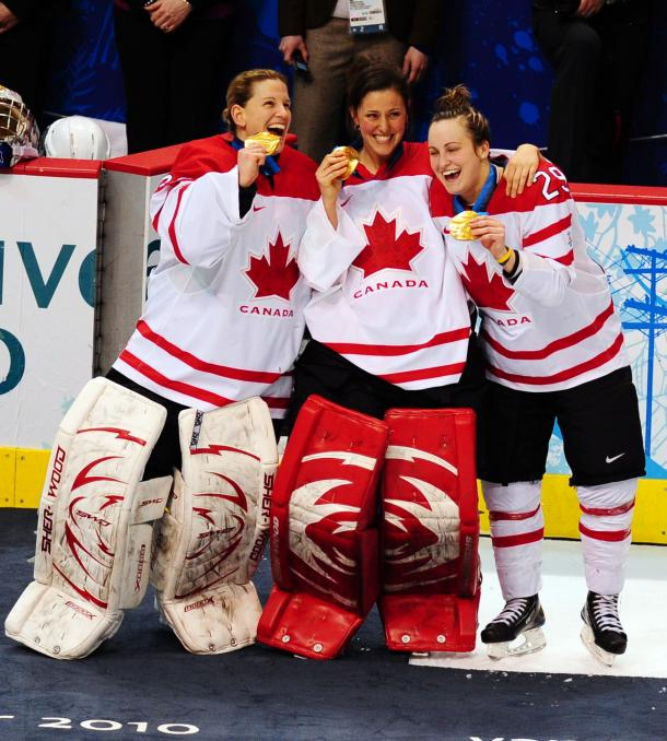 external image Canada-vs-USAWomens-Gold-Medal-Ice-Hockey-at-2010-Winter-Olympics-in-Vancouver.jpg