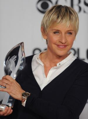 Comedian Ellen Degeneres appears backstage with the award she won for Favorite Talk Show Host at the 35th annual People's Choice Awards in Los Angeles on January 7, 2009. (UPI Photo/Jim Ruymen)